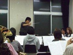 画像: 小松氏の指揮